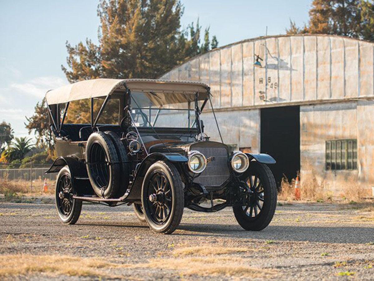 1911 Lozier Model 51 Seven-Passenger Touring from the Craig McCaw Collection (credit – Darin Schnabel © 2015 courtesy RM Sotheby's)