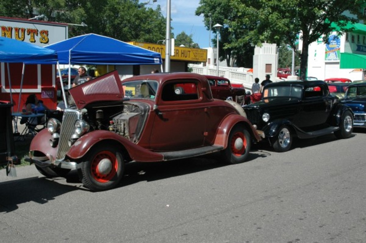 Two 1934 Ford coupes