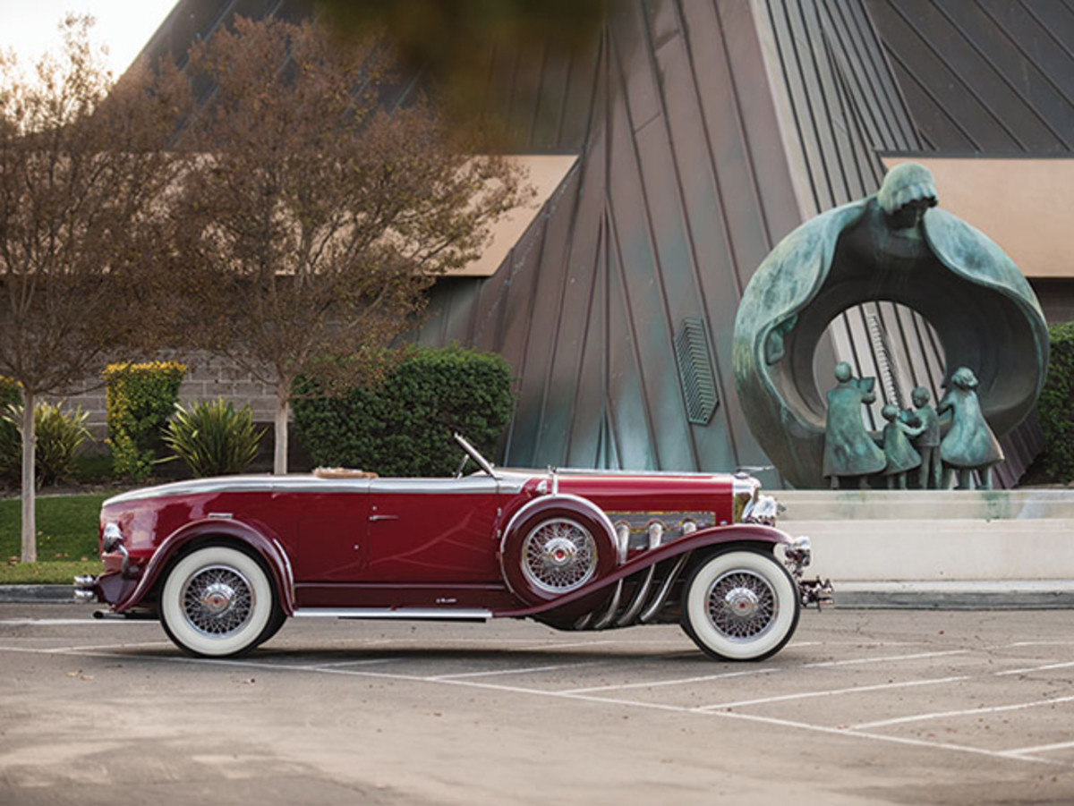 1929 Duesenberg Model J Disappearing Top Torpedo Convertible Coupe (credit – Darin Schnabel © 2015 courtesy RM Sotheby's)