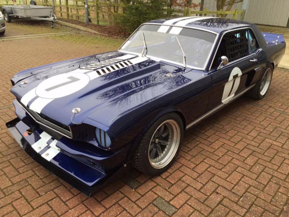 b-Mustang-c2