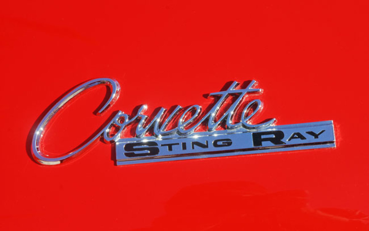 1963-Split-Window-Corvette-Sting-Ray-Badge-Done