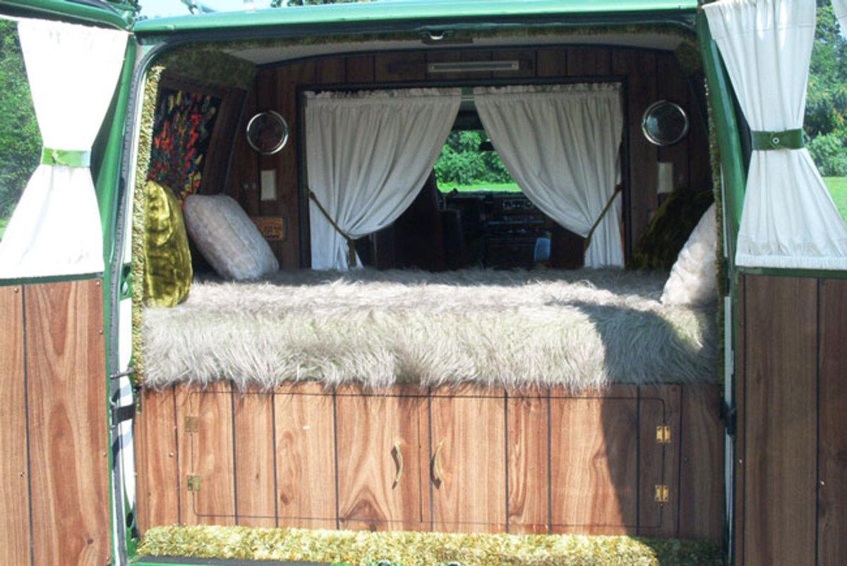 1974-Chevy-Van-back2