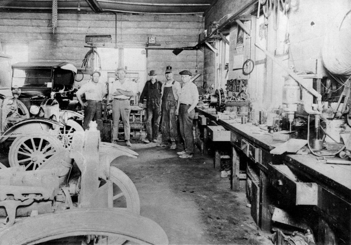 Inside view of a Cedar Grove, Wis., Ford dealer.
