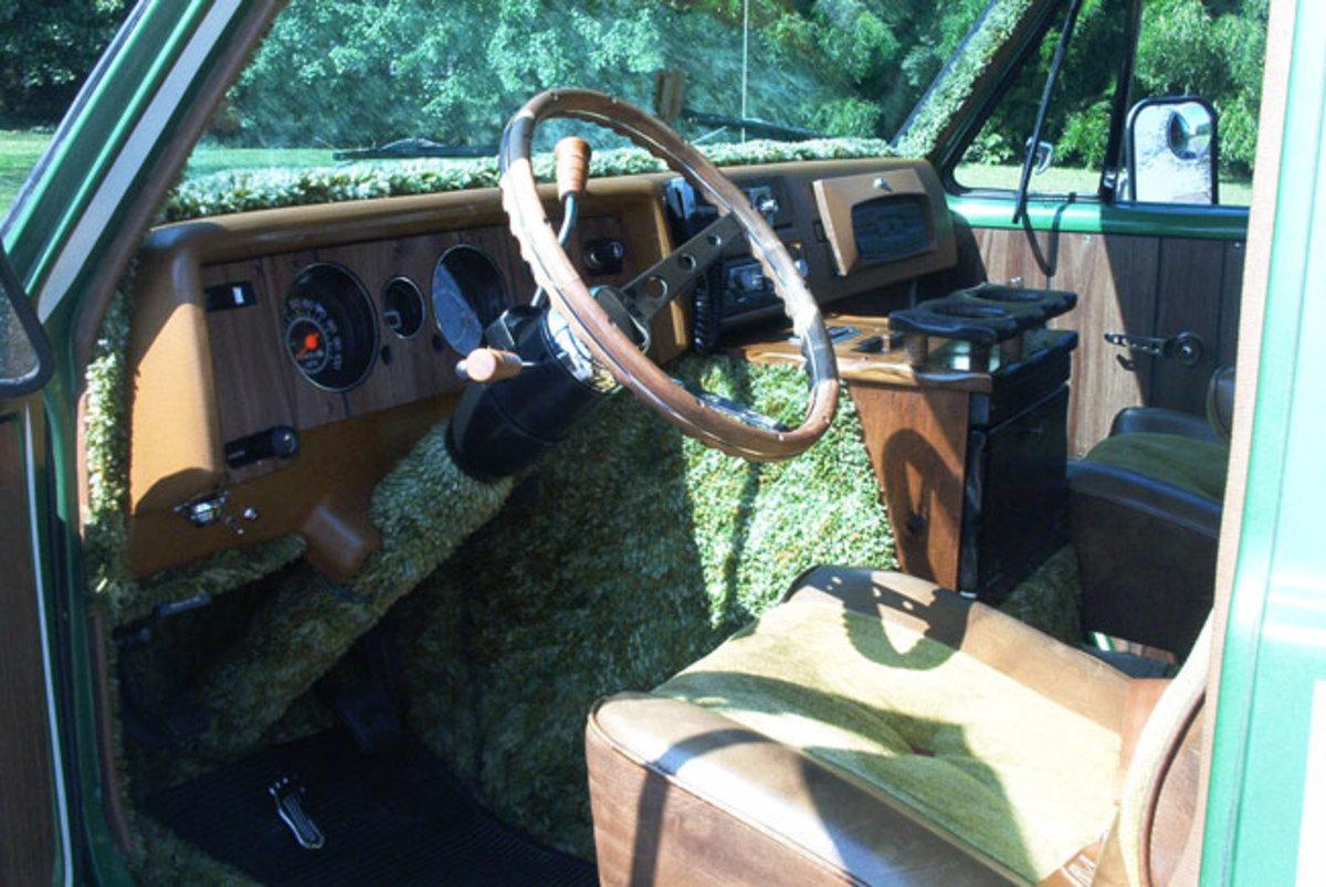 1974-Chevy-Van-driver-seat