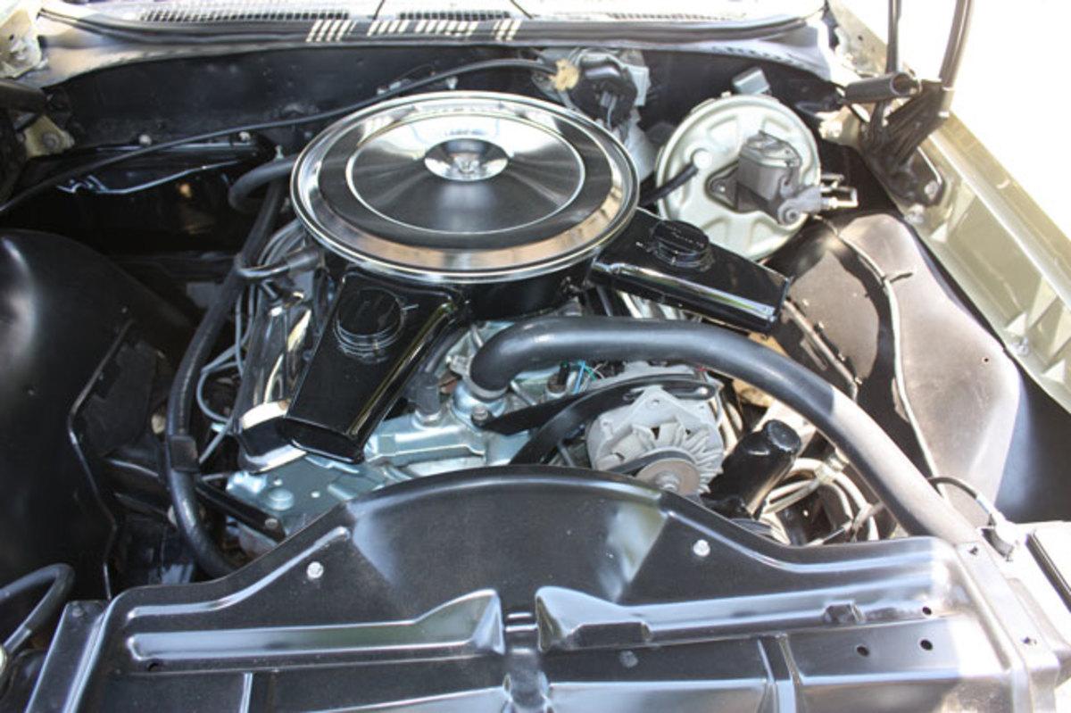 1965-GTO-engine