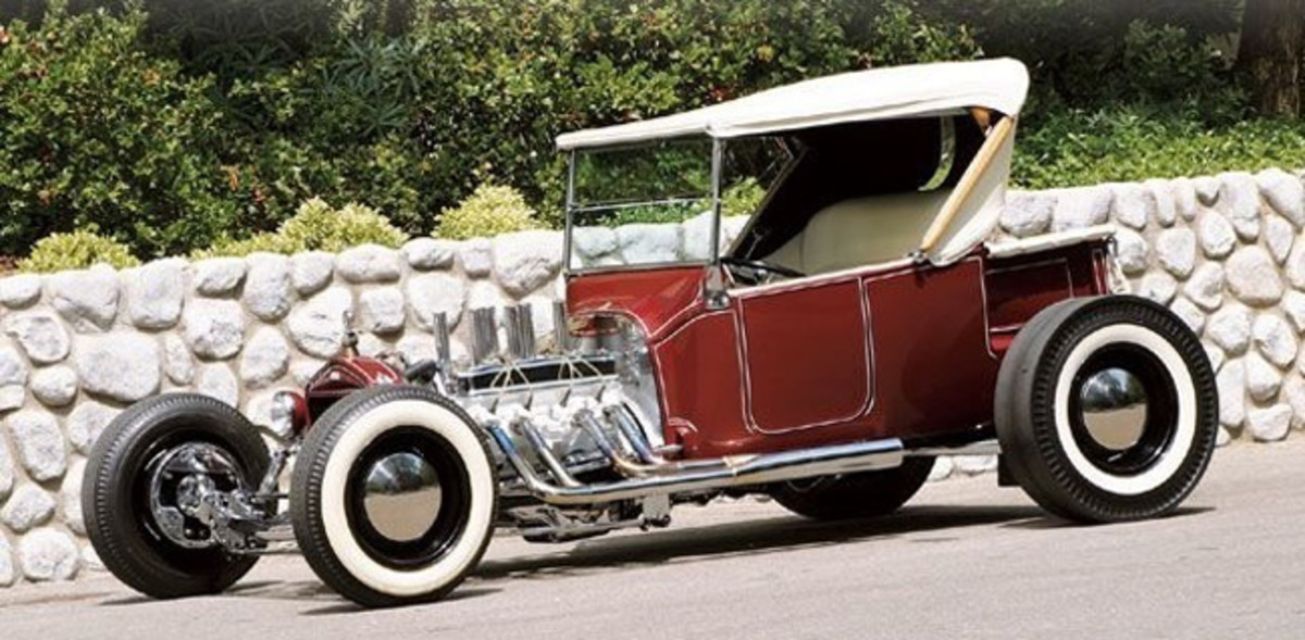 1925 Ford Roadster Pickup built by Tommy Ivo, which was modeled on Grabowski's car and also appeared on Hot Rod's cover.
