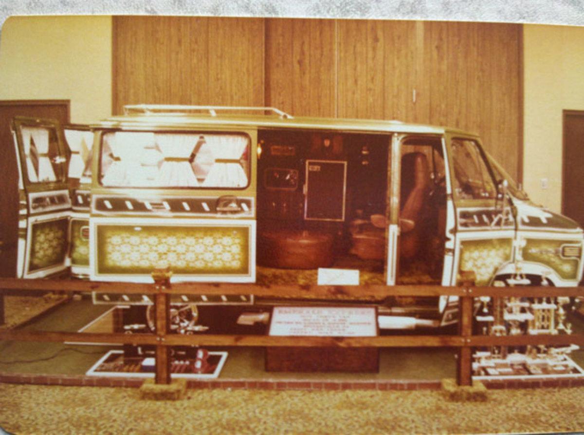 1974-Chevy-Van-before
