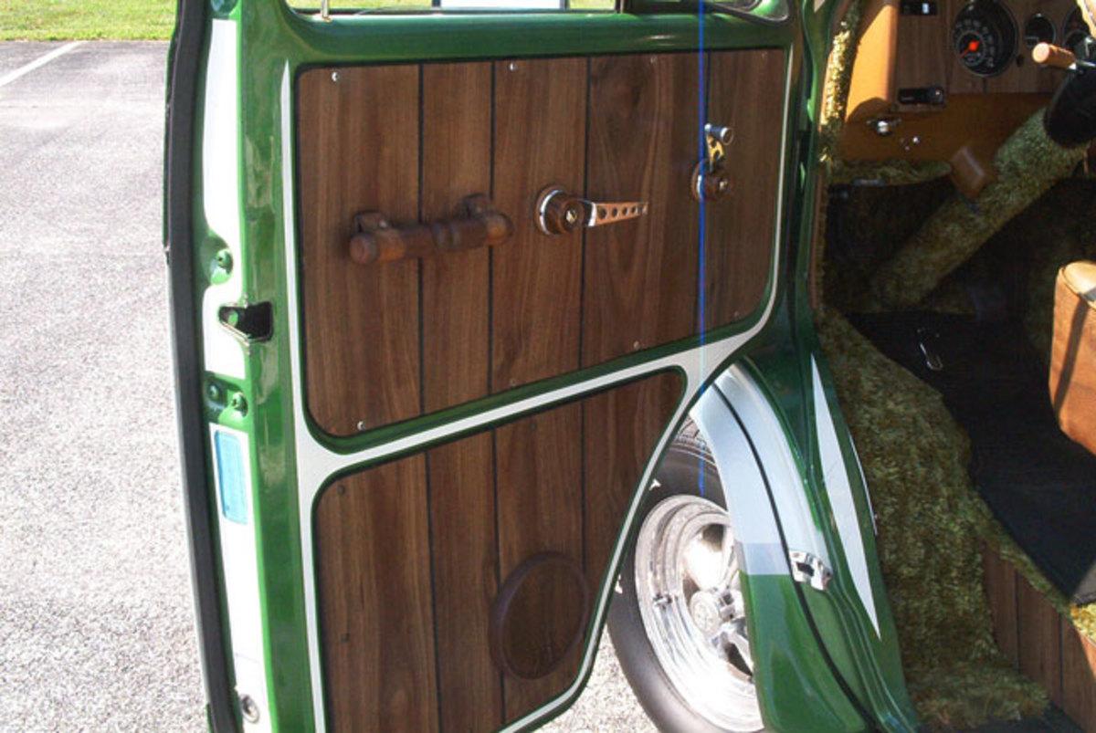 1974-Chevy-Van-door