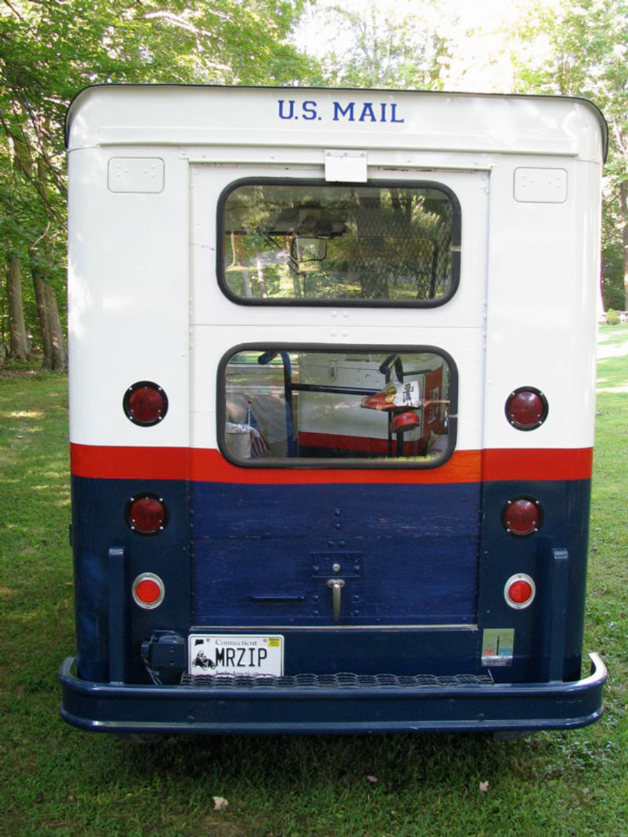 Stude-mail-truck-4