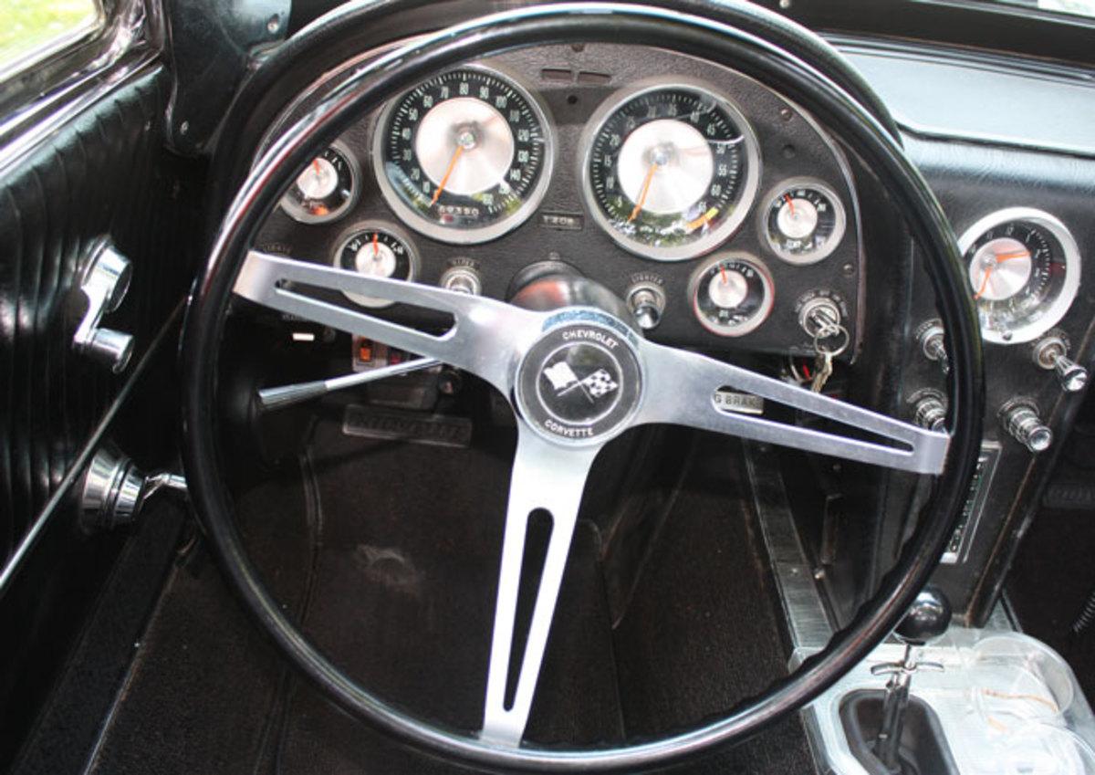 1963-Corvette-dash