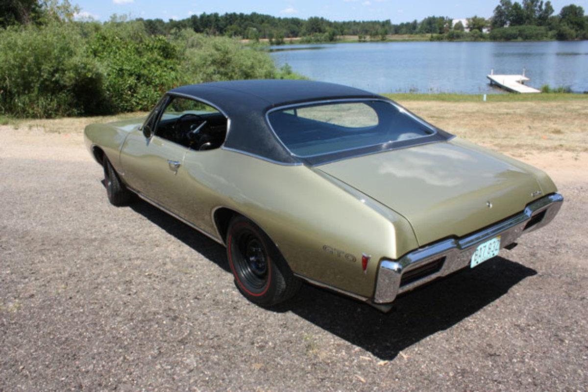 1968-GTO-back-end