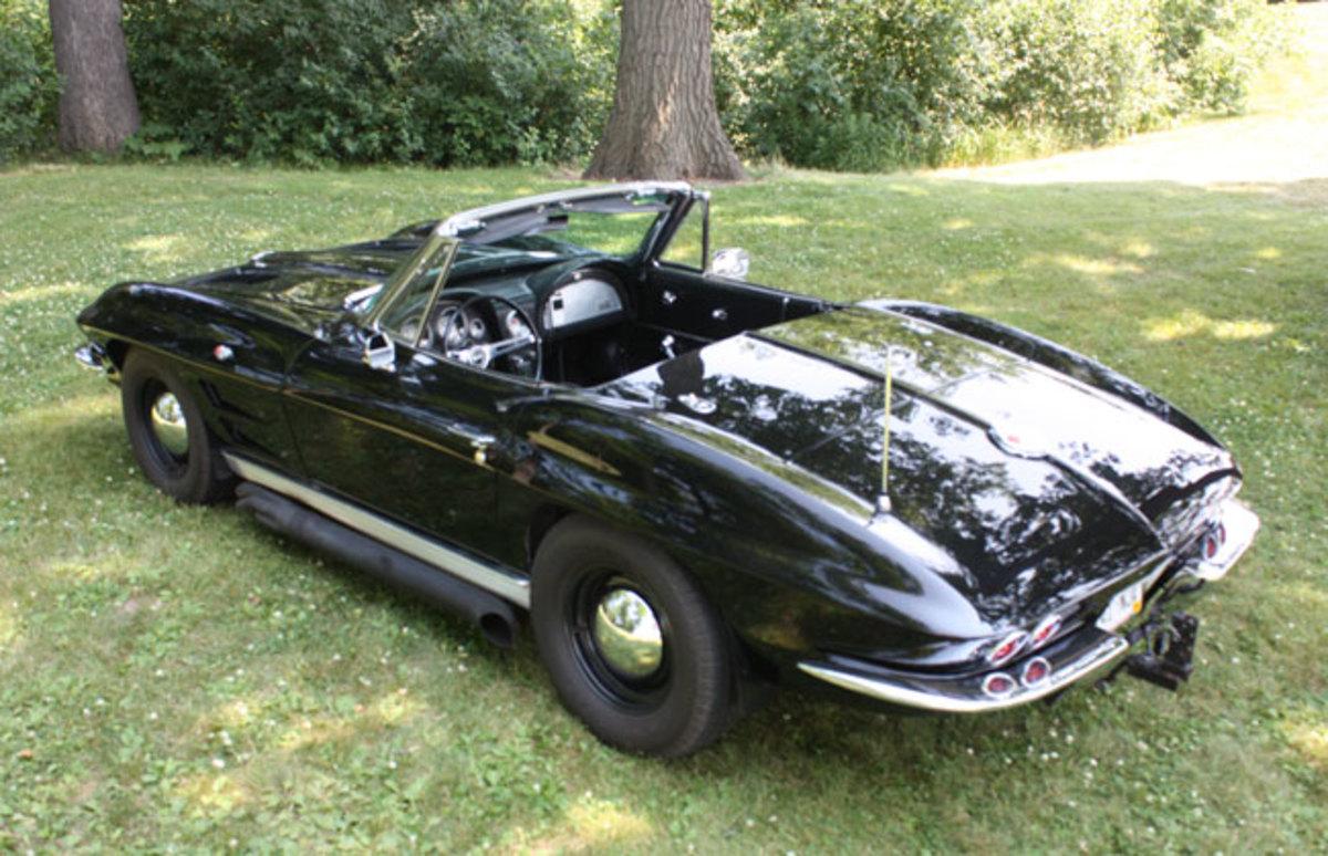 1963-Corvette-back