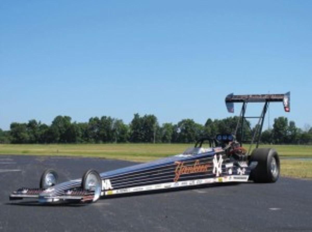 2001 Darryl Gwynn / Mike Dunn Top-Fuel Dragster. (Keith Koscak © 2011 courtesy Auctions America by RM)