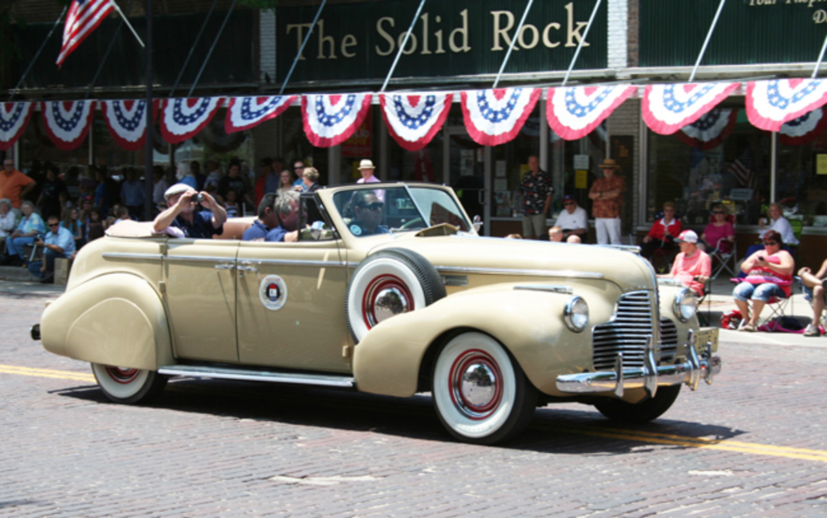 Steven Murphy of Chicago drove his beautiful and rare 1940 Buick convertible sedan on the entire East-to-West tour.