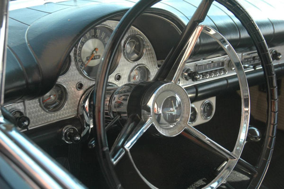 1957-Thunderbird-4