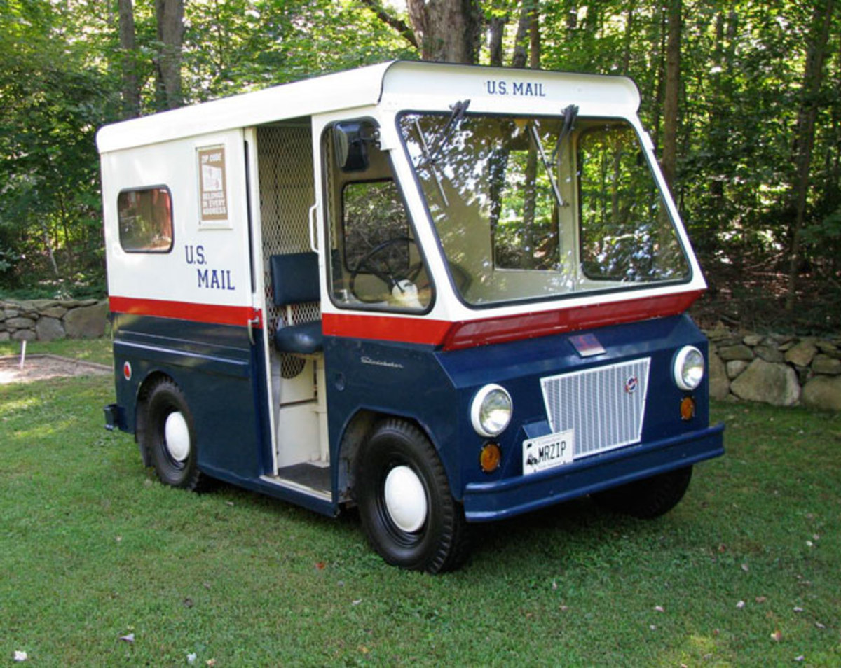 Stude-mail-truck-10