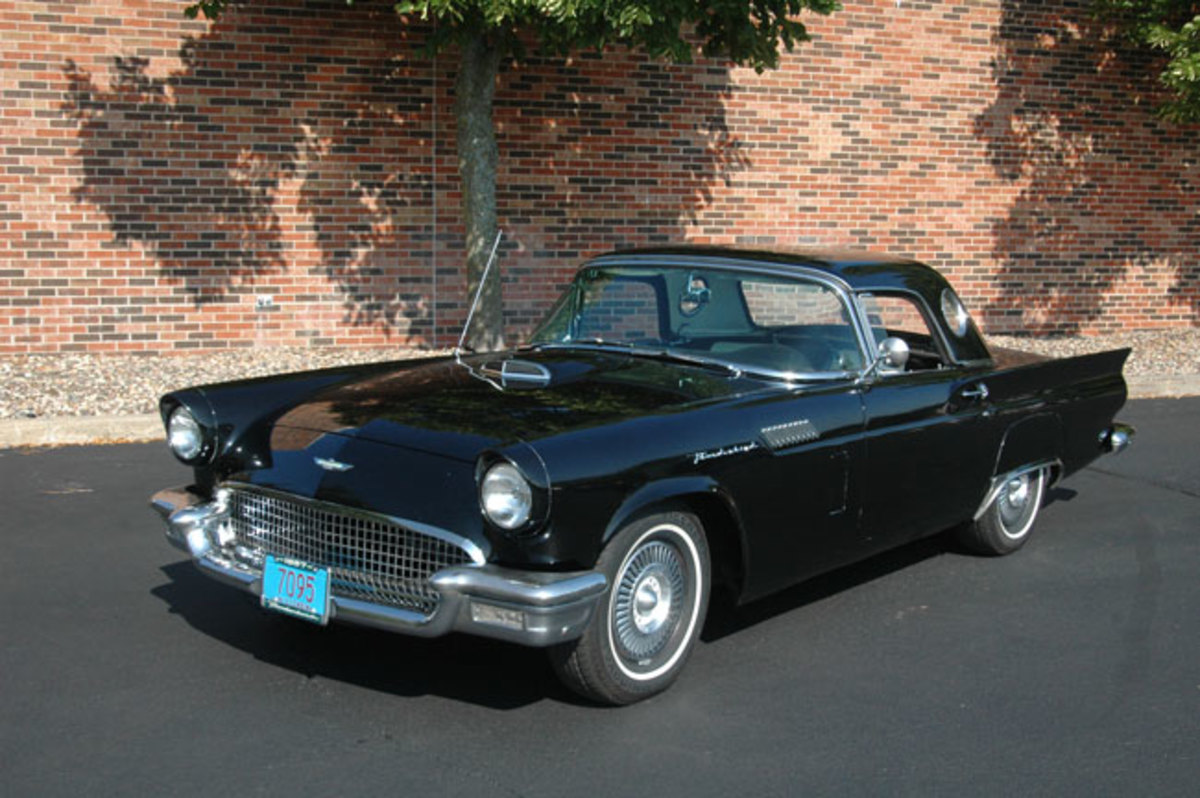 1957-Thunderbird-3