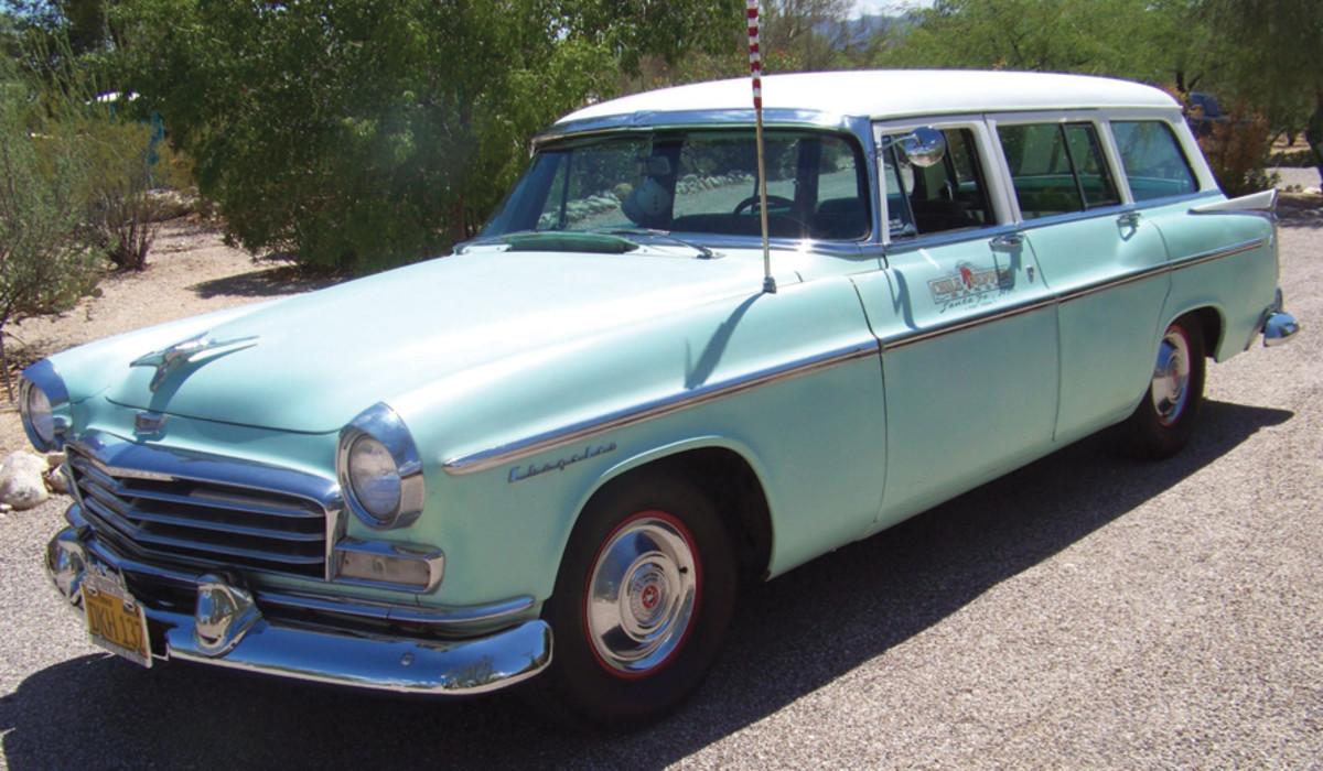 AZ 12 - Lot 14 - 1956 Chrysler Windsor - Internet