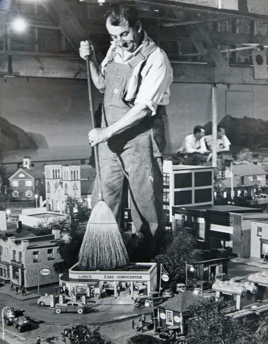 Builder Laurence Gieringer built all of Roadside America from scratch, using a scale of 3/8 inches to the foot.