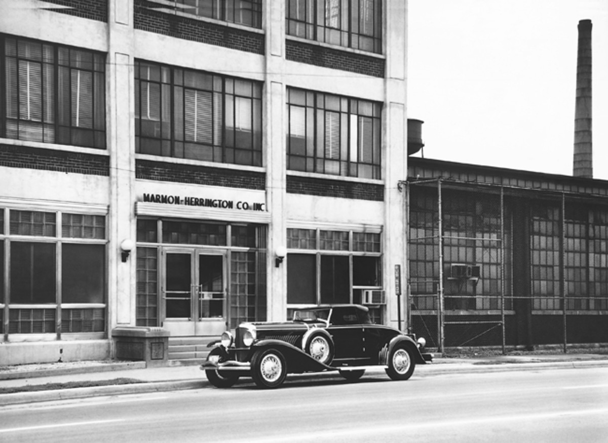 During a Classic Car Club of America meet in August 1963, Paul took this photograph of J-192 in front of the former Duesenberg factory in Indianapolis, Ind.