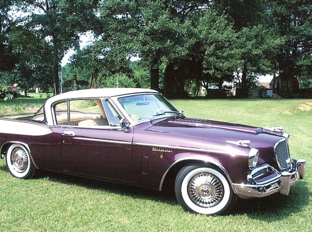 1958-Golden-Hawk-side