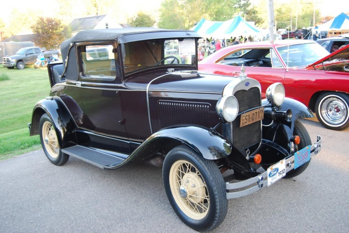 Henry Sawall's 1930 Model A Ford rumble seat Sport Coupe.
