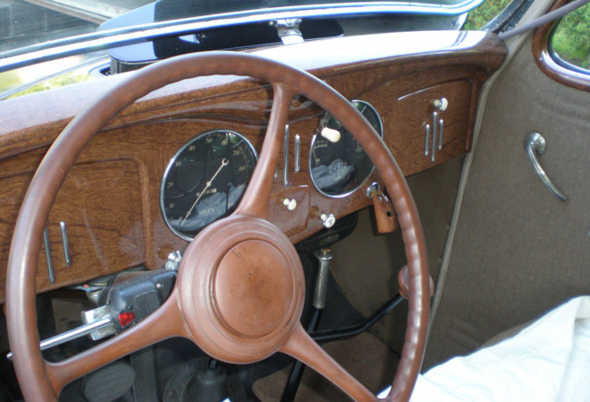 1935-Chrysler-dash2