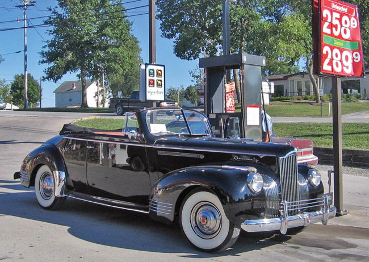 1941-Packard-120-2