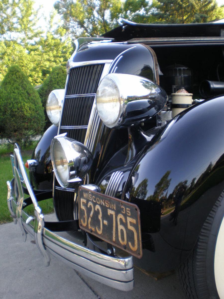 1935-Chrysler-grille2