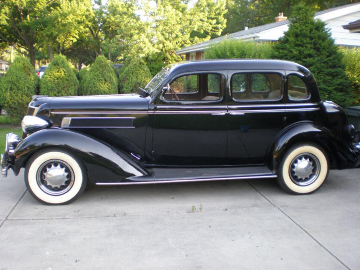 1935-Chrysler-profile