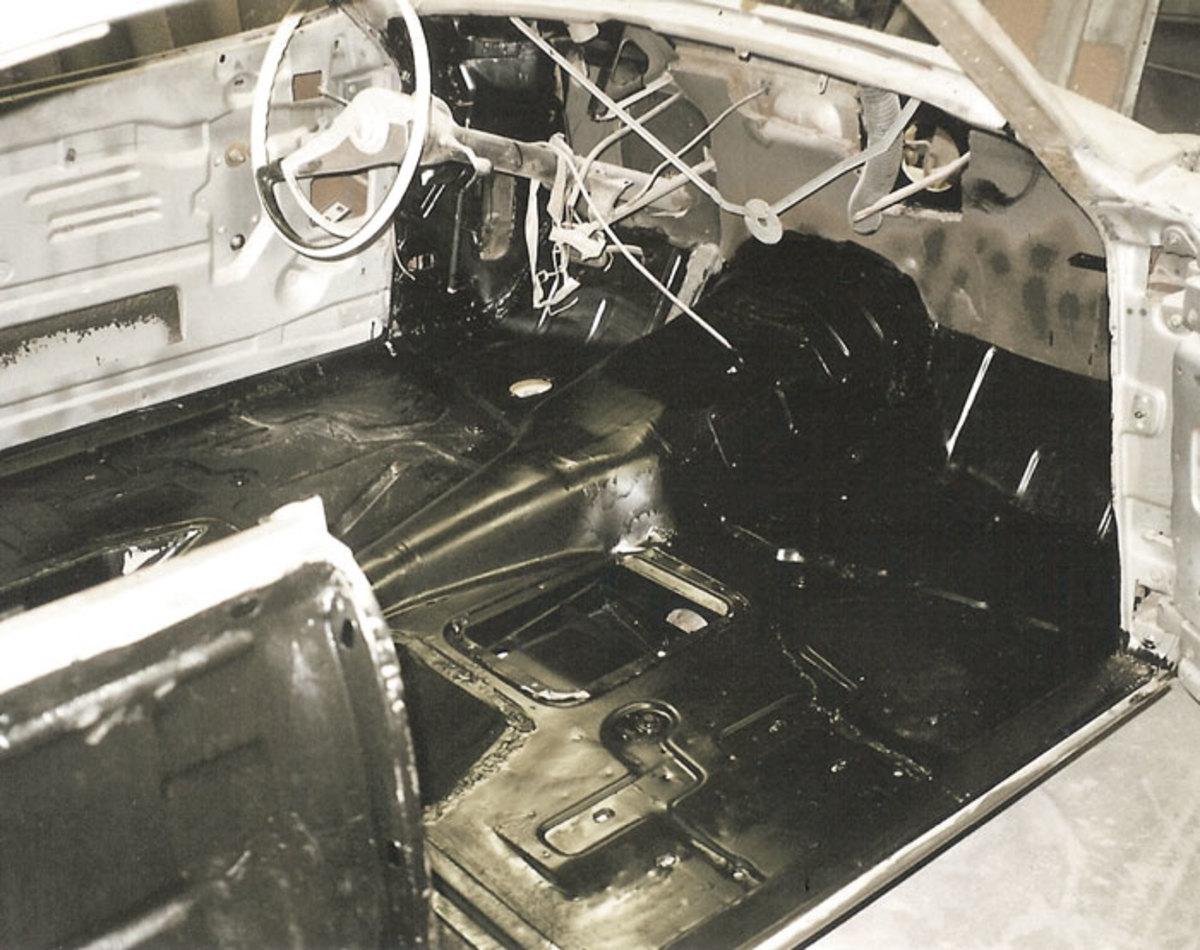 1958-Golden-Hawk-before-3