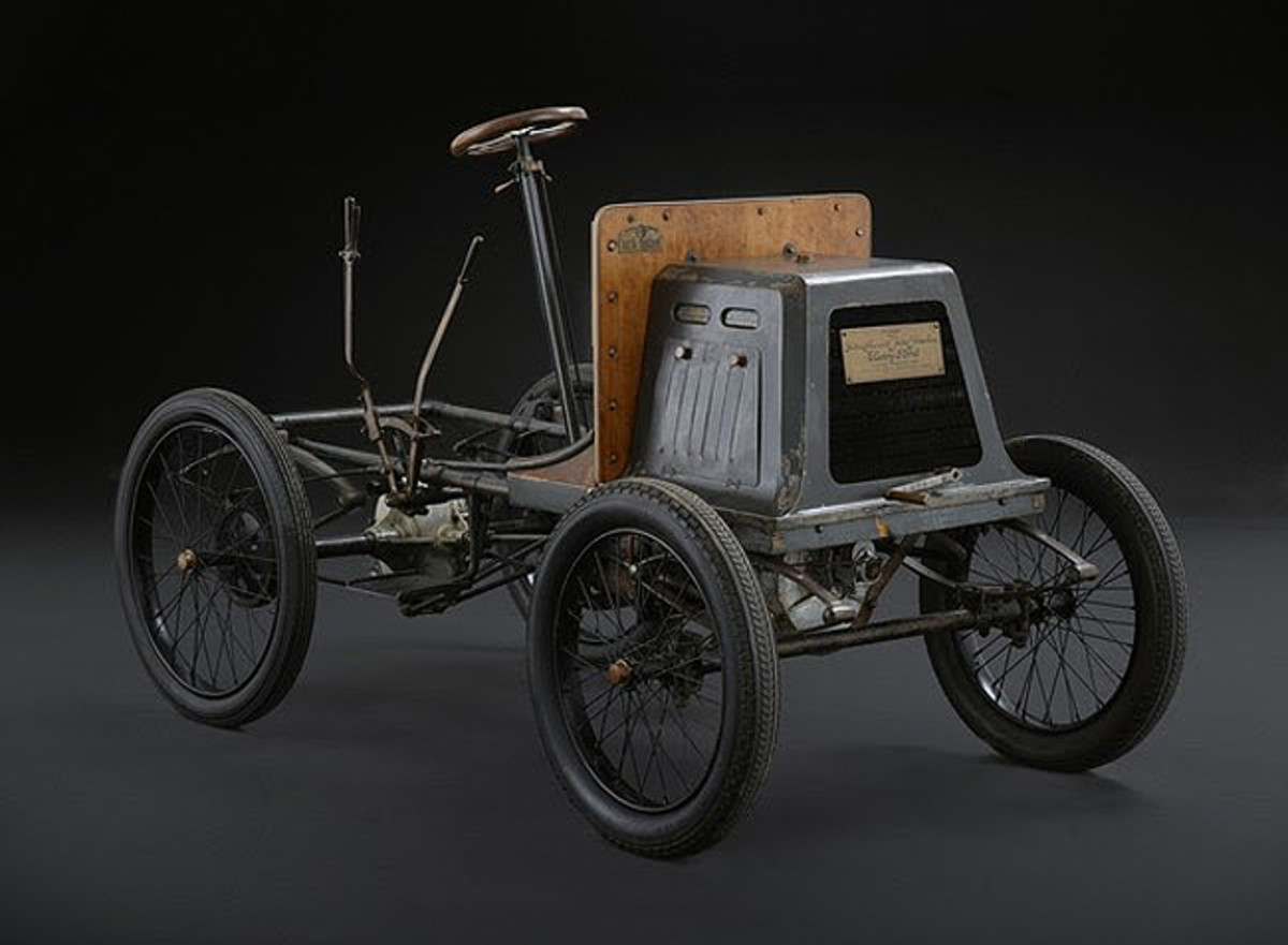 The first Isotta Fraschini, built in 1901