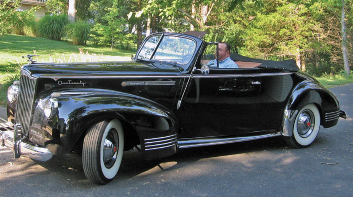1941-Packard-120-4
