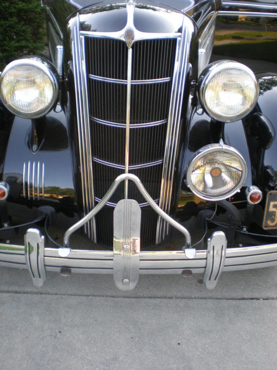 1935-Chrysler-grille1