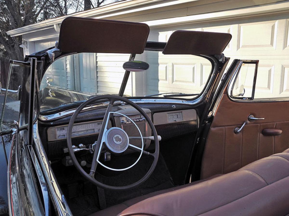 1941-Packard-120-6
