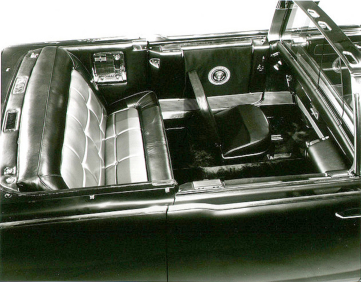 The interior carried the presidential seal and many other special features.