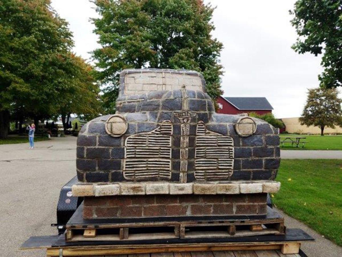 brick-1940-pontiac-3-sm