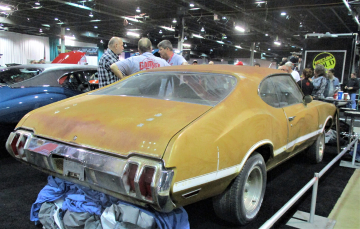 """Dusty 1970 Olds 4-4-2 was one of many as-found and """"barn find"""" cars that fascinated visitors."""