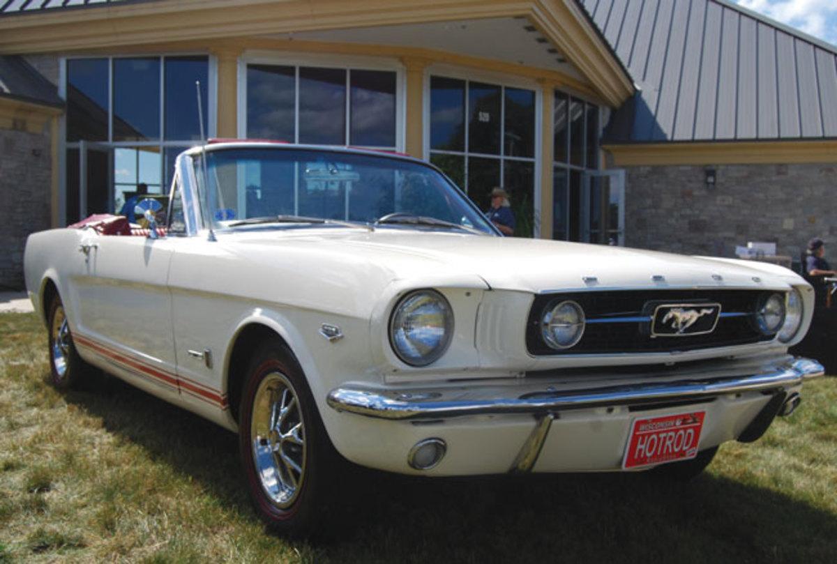 Mustang-T-5-4