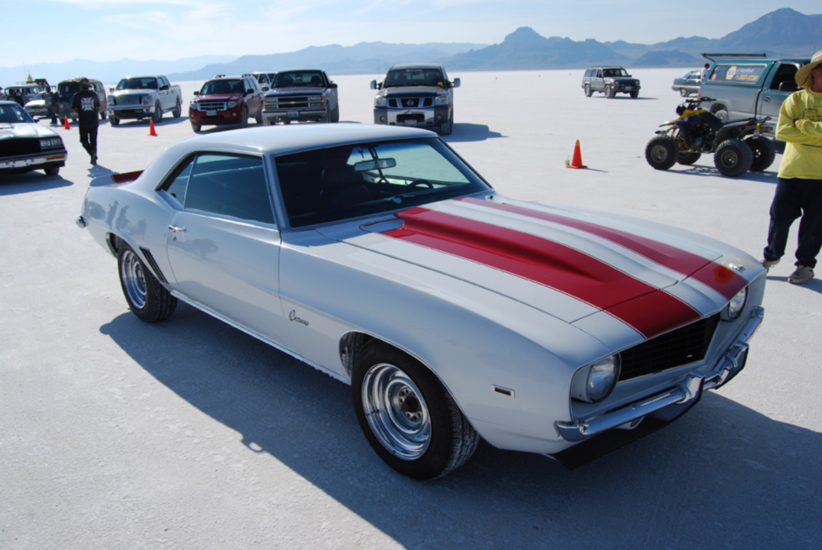 Muscle cars of all vintages and classes were back on the Bonneville Salt Flats in September to push the envelope. Above, a pristine '69 Camaro coupe seemed to be running pure stock.