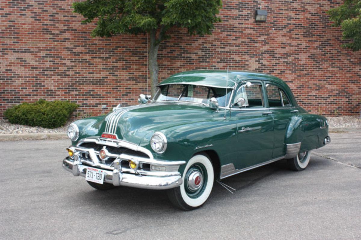 1952-Pontiac-main2