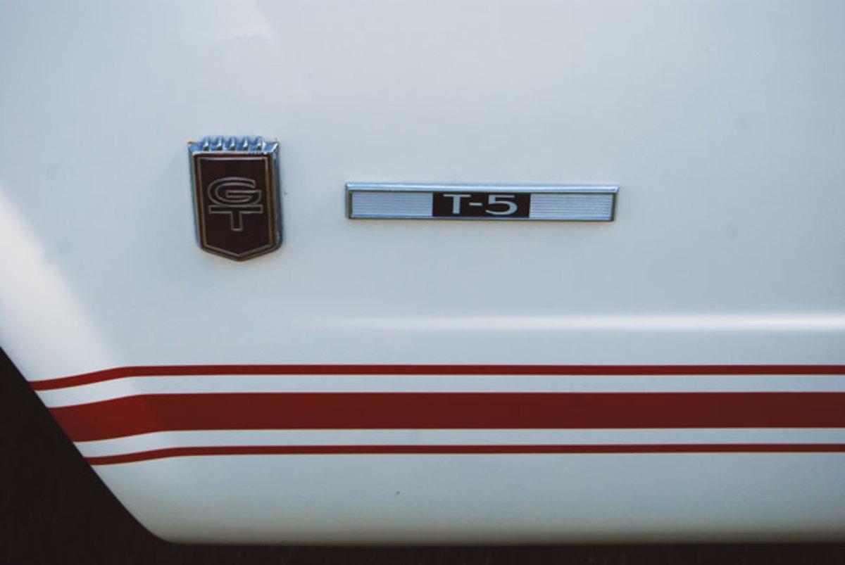 Mustang-T-5-1