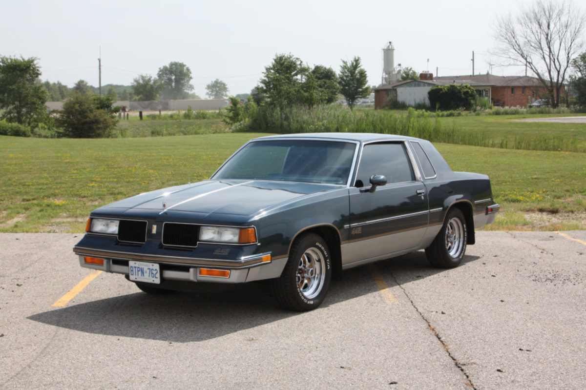 1987 Oldsmobile Cutlass 442. Courtesy of Auctions America