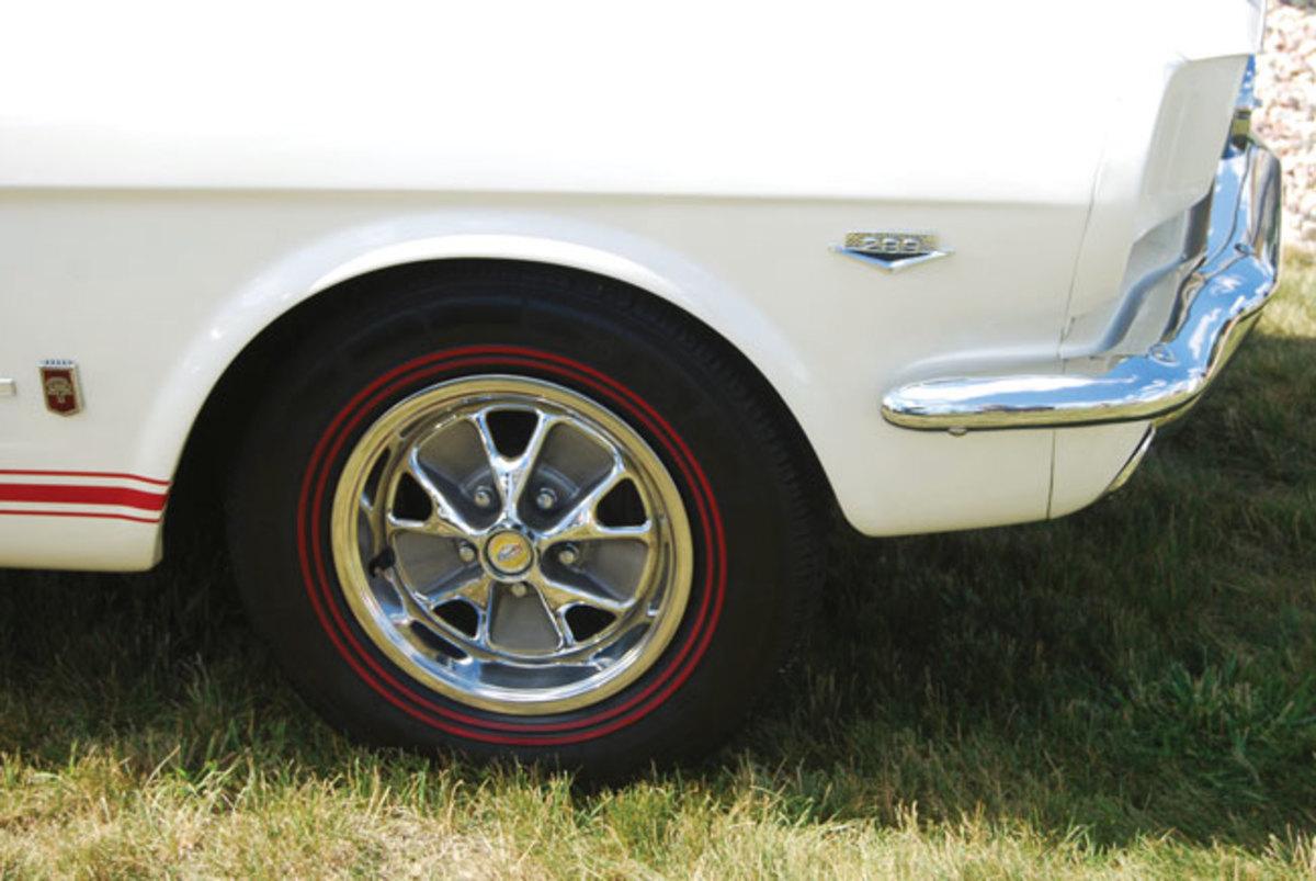 Mustang-T-5-2