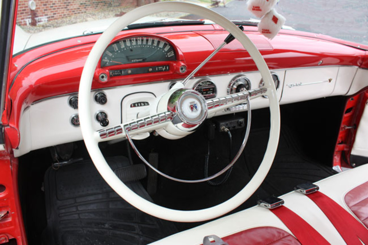 1955-crown-vic-11