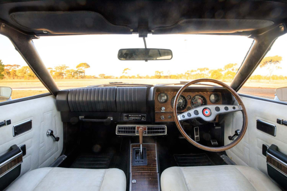 1972 CHRYSLER VALIANT VH CHARGER R/T E38 COUPE INTERIOR