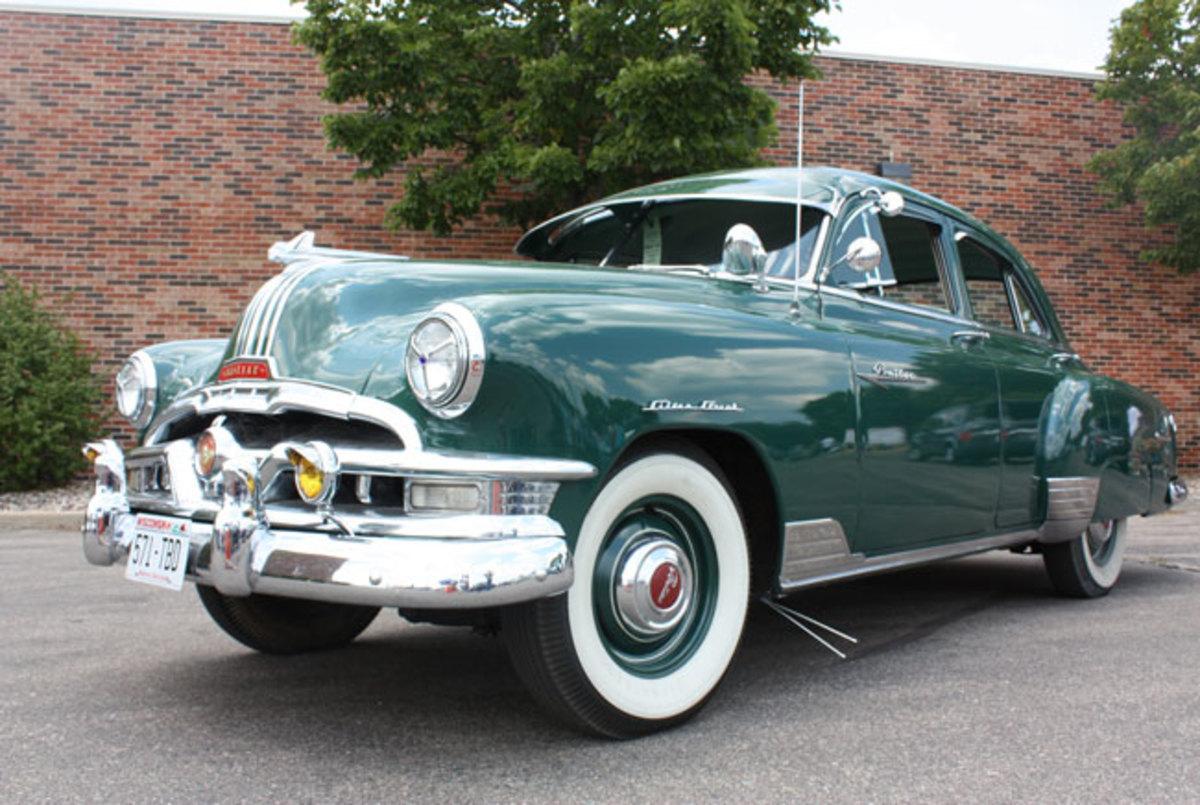 1952-Pontiac-low