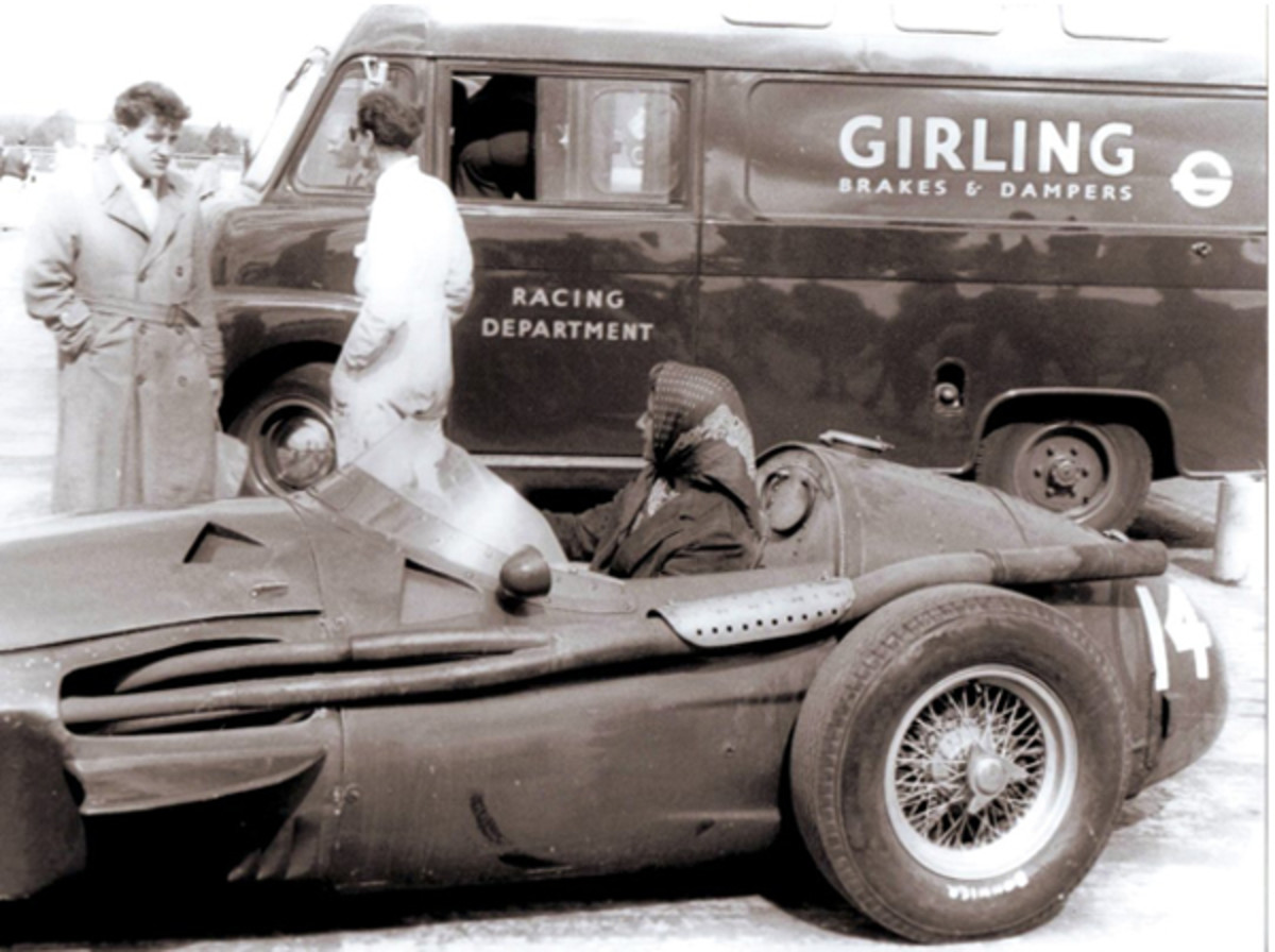 women-racing-2