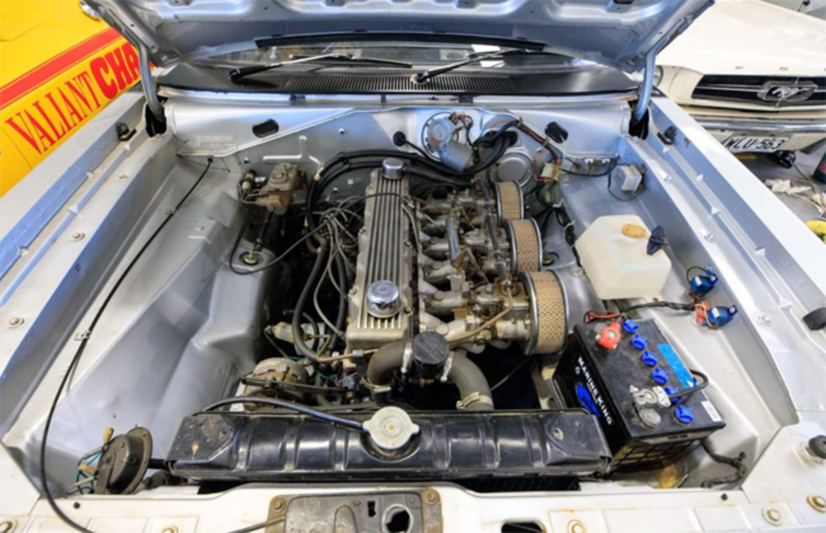 1972 CHRYSLER VALIANT VH CHARGER R/T E38 COUPE ENGINE