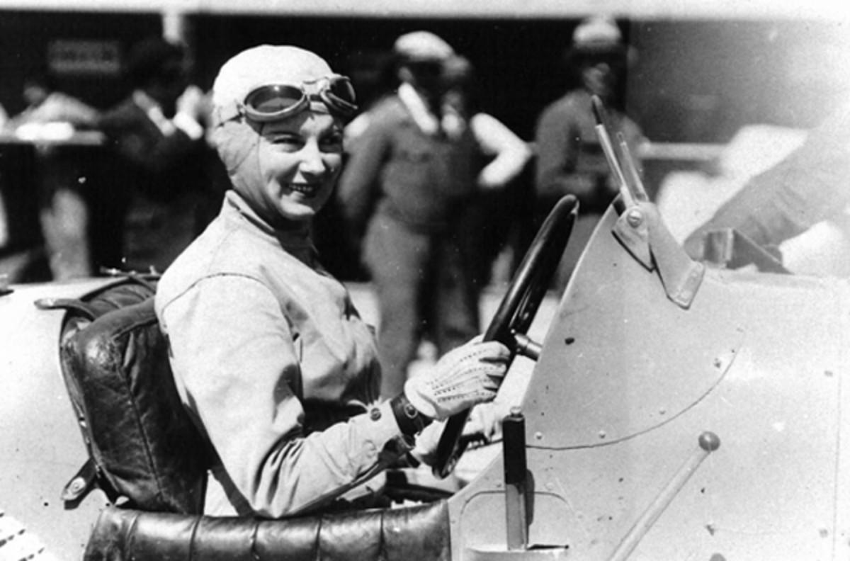 women-racing-1